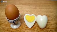 Cách luộc trứng thành hình trái tim