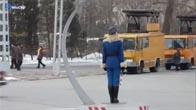 Nữ cảnh sát giao thông của Triều Tiên, quá nghiêm túc =))