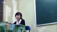 Cô giáo xinh như Hot girl bị nam sinh trêu trọc