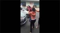 Thanh niên bóp vú con gái giữa đường và cái kết