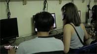 Khi con gái vào quán net chơi game :P