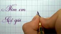 Cô gái viết chữ đẹp như in