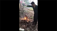Thanh niên Trung Quốc thiêu sống chú chó con đáng thương