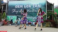 Gái xinh dân tộc nhảy múa ở thung lũng hoa Bắc Hà
